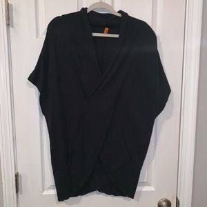 Lucy activewear Small black tunic.